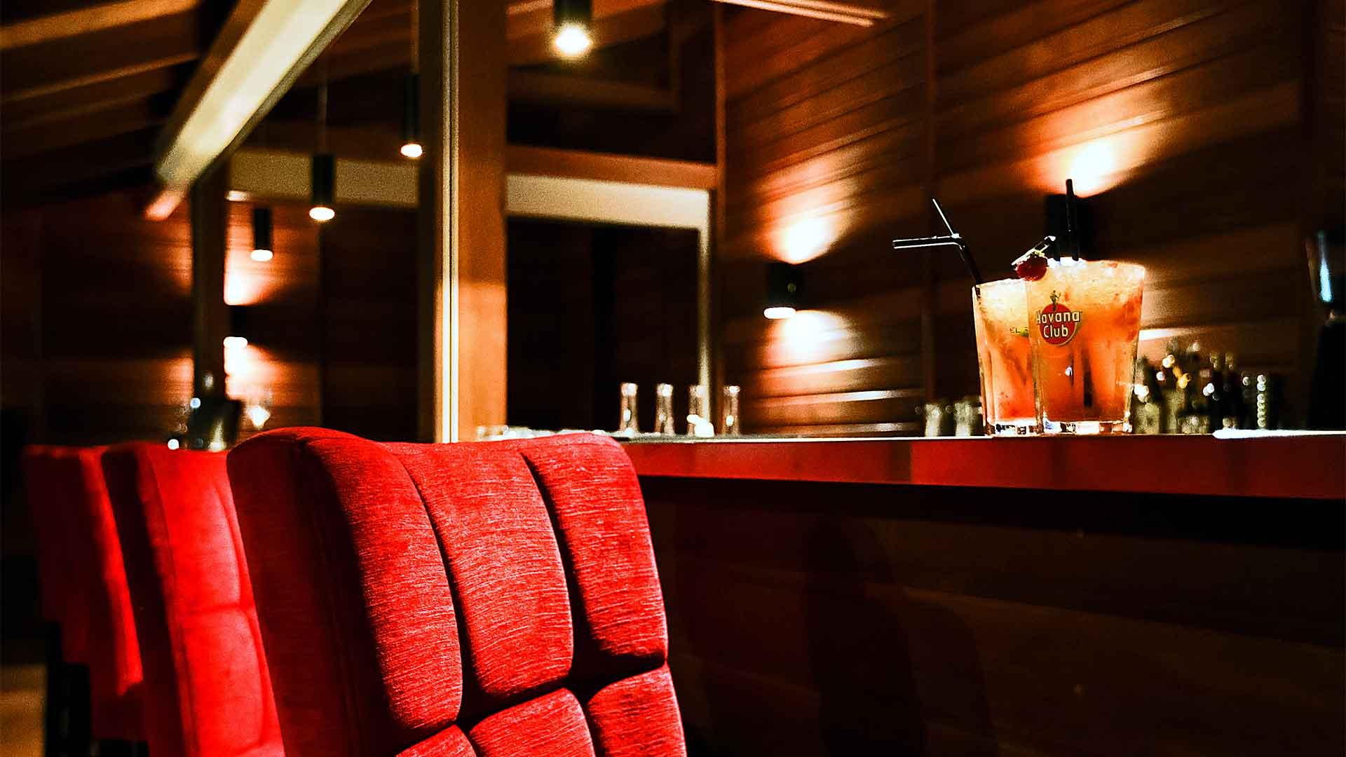 Photo-slider-2-Accueil-Chichoumeille-Restaurant-montpellier-une-ambiance-chic-et-decontractee
